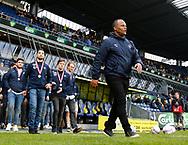 FODBOLD: Cheftræner Ricki Royal (Snekkersten) fører sine spillere på banen til pokaloverraskelse i pausen under kampen i ALKA Superligaen mellem Brøndby IF og Lyngby Boldklub den 18. maj 2017 på Brøndby Stadion. Foto: Claus Birch