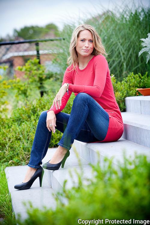 364747-Actrice Xandra Van Welden uit film Hasta La Vista-Ambroossteenweg 105 Hofstade