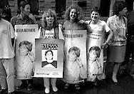 Roma    1994. Manifestazione per la liberazione di Silvia Baraldini, detenuta in carcere negli Stati Uniti d'America .http://it.wikipedia.org/wiki/Silvia_Baraldini.Rome 1994. Demonstration for the release of Silvia Baraldini, held in prison in the United States of America.http://en.wikipedia.org/wiki/Silvia_Baraldini