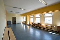 06 AUG 2014, BERLIN/GERMANY:<br /> Sportraum in Haus 2, Abschiebungsgewahrsam der Berliner Polizei in Berlin-Koepenick, Gruenauer Strasse 140<br /> IMAGE: 20150806-01-0<br /> KEYWORDS: Köpenick, Abschiebungshaft, Abschiebeknast, Abschiebehaft, Polizeiabschiebehaftanstalt, Grünau; Gruenau