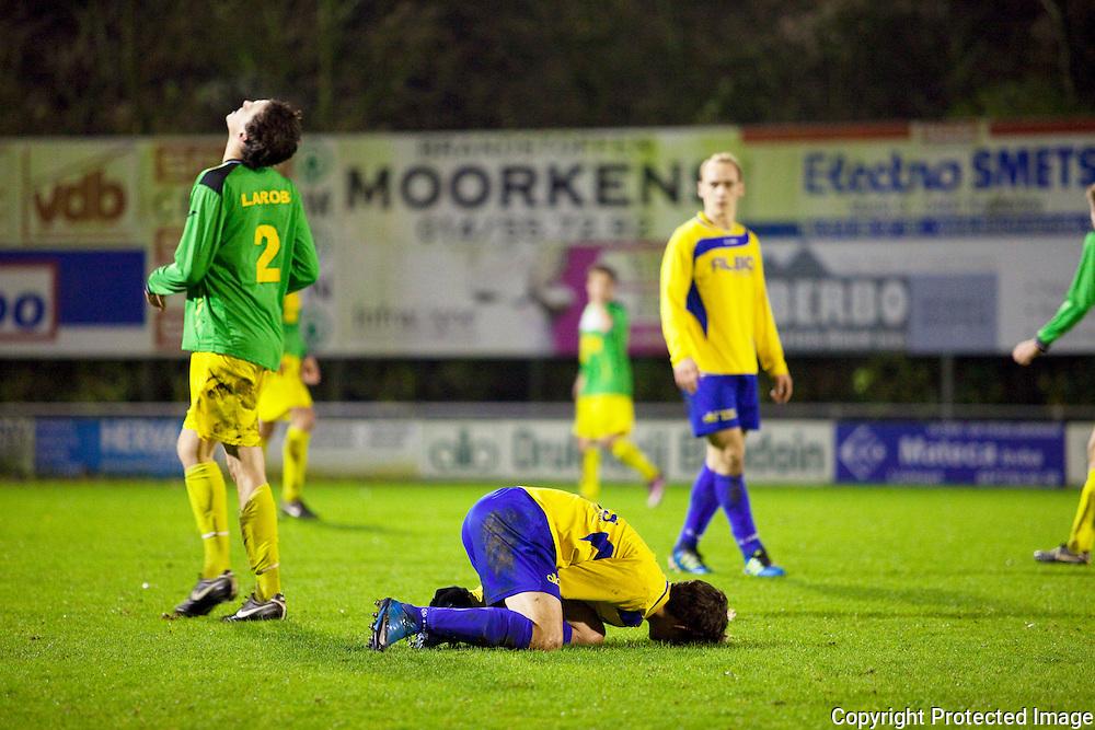 370478-Voetbal FC De Kempen tegen Sint-Lenaarts-Prijstraat Tielen-2 van den brande lars en 11 Jens Dyck
