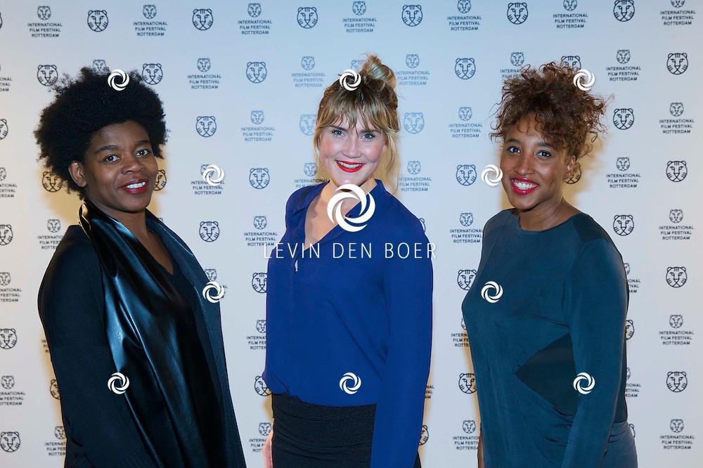 ROTTERDAM - In Theater De Goede Doelen is de 44ste International Film Festival Rotterdam geopend. Diversen genodigden en internationale sterren waren hierbij aanwezig. Met hier op de foto vlnr Marga Weimans, Maria Visser en ??? FOTO LEVIN DEN BOER - PERSFOTO.NU