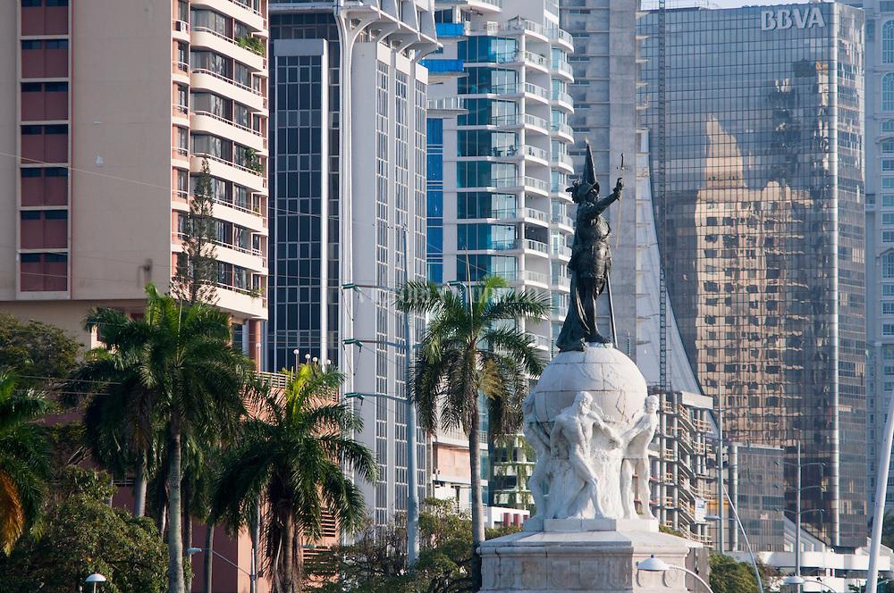 Fotos de la ciudad de Panamá, específicamente de la avenida Balboa,  cinta costera y calle 50. Panamá, 5 de diciembre de 2011. (Victoria Murillo/Istmophoto)