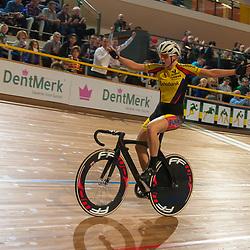 28-12-2014: Wielrennen: NK Baanwielrennen: Apeldoorn<br />Winanda Spoor pakt de titel op de scratch