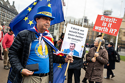 © Licensed to London News Pictures. 05/11/2018. London, UK. Pro-EU demonstrators campaign against Brexit in Parliament Square. Photo credit : Tom Nicholson/LNP