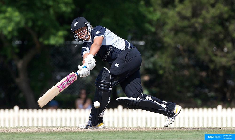 Suzannah Bates batting during the match between England and New Zealand in the Super 6 stage of the ICC Women's World Cup Cricket tournament at Bankstown Oval, Sydney, Australia on March 14 2009, England won the match by 31 runs. Photo Tim Clayton
