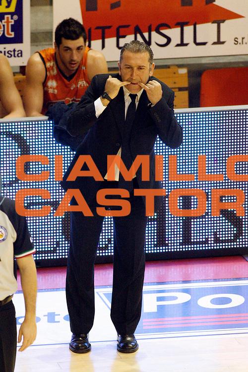DESCRIZIONE : Pistoia Lega A2 2012-13 Giorgio Tesi Group Pistoia Fileni BPA Jesi<br /> GIOCATORE : <br /> SQUADRA : Fileni BPA Jesi<br /> EVENTO : Campionato Lega A2 2012-2013<br /> GARA : Giorgio Tesi Group Pistoia Fileni BPA Jesi<br /> DATA : 21/04/2013<br /> CATEGORIA : <br /> SPORT : Pallacanestro<br /> AUTORE : Agenzia Ciamillo-Castoria/Stefano D'Errico<br /> Galleria : Lega Basket A2 2012-2013 <br /> Fotonotizia : Pistoia Lega A2 2012-2013 Giorgio Tesi Group Pistoia Fileni BPA Jesi<br /> Predefinita : Coach Pecchia Andrea