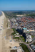 Nederland, Zuid-Holland, Noordwijk, 12-05-2009; Boulevard van de badplaats met Grand Hotel Huis ter Duin (vijfsterren hotel) en het Noordzeestrand.Swart collectie, luchtfoto (toeslag); Swart Collection, aerial photo (additional fee required).foto Siebe Swart / photo Siebe Swart
