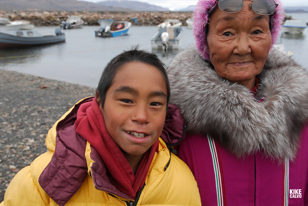 Inuit family. Coastal Inuit community of Arctic Bay. Lancaster Sound. HIgh Arctic. Baffin Island.<br />
