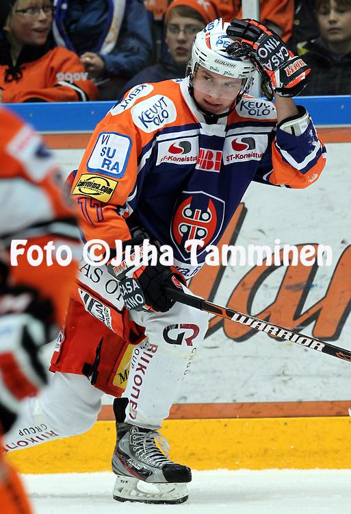 22.10.2011, Hmeenlinna...Jkiekon SM-liiga 2011-12. HPK - Tappara..Aleksander Barkov - Tappara