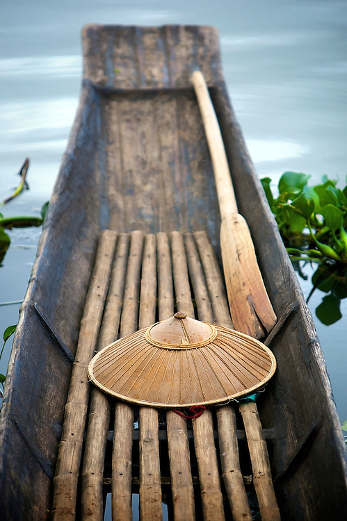 Hat and paddle, Inle Lake, Myanmar