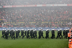 05.05.2012, Rhein Energie Stadion, Koeln, GER, 1. FC Koeln vs FC Bayern Muenchen, 34. Spieltag, im Bild Grosses polizeiaufgebot in Koeln // during the German Bundesliga Match, 34th Round between 1. FC Cologne and Bayern Munich at the Rhein Energie Stadium, Cologne, Germany on 2012/05/05. EXPA Pictures © 2012, PhotoCredit: EXPA/ Eibner/ Gerry Schmit..***** ATTENTION - OUT OF GER *****
