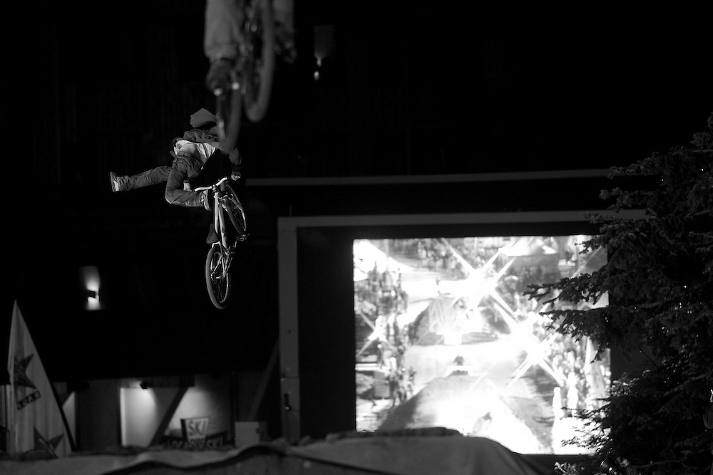 Rider: Location Contest Roof and Slopestyle Avoriaz (France)