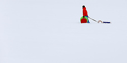 THEMENBILD - Starke Schneefälle waren gestern und heute in großen Teilen Österreichs zu verzeichnen. Chaos auf Straßen, Winterdienste im Dauereinsatz und malerische Landschaften waren die Folge, aufgenommen am 08.01.2017 in Uderns // Heavy snowfalls were recorded yesterday and today in large parts of Austria. Chaos on roads, winter services in continuous use and a beautiful scenery were the result, Uderns, Austria on 2017/01/08. EXPA Pictures © 2017, PhotoCredit: EXPA/ Jakob Gruber