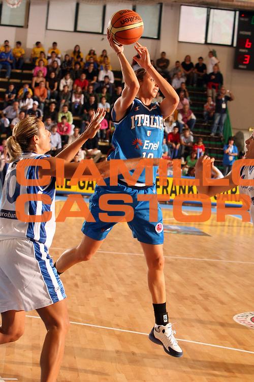 DESCRIZIONE : Chieti Italy Italia Eurobasket Women 2007 Grecia Italia Greece Italy <br /> GIOCATORE : Laura Macchi<br /> SQUADRA : Nazionale Italia Donne Femminile <br /> EVENTO : Eurobasket Women 2007 Campionati Europei Donne 2007<br /> GARA : Grecia Italia Greece Italy <br /> DATA : 25/09/2007 <br /> CATEGORIA : <br /> SPORT : Pallacanestro <br /> AUTORE : Agenzia Ciamillo-Castoria/E.Castoria<br /> Galleria : Eurobasket Women 2007 <br /> Fotonotizia : Chieti Italy Italia Eurobasket Women 2007 Grecia Italia Greece Italy <br /> Predefinita :