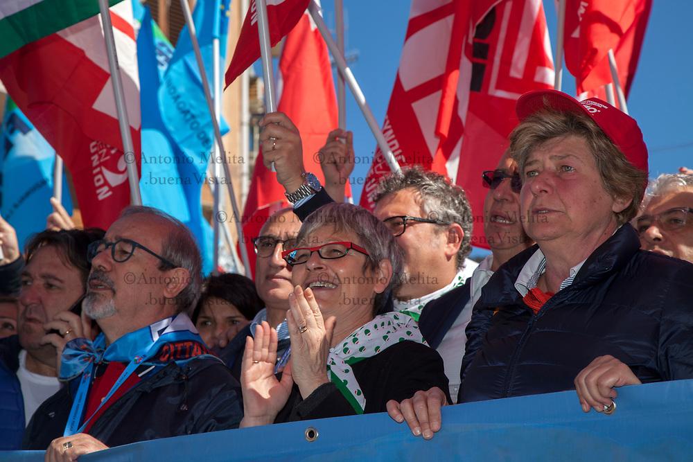 Susanna Camusso (CGIL), Annamaria Furlan (CISL) e Carmelo Barbagallo (UIL) alla testa del corteo in ricordo della strage di Portella della Ginestra.