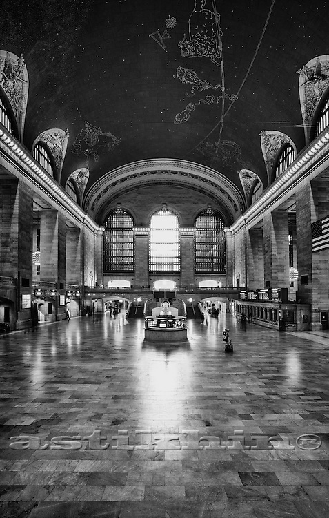 Interior of Grand Central Station in black and white.