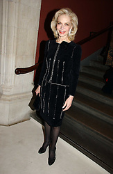 LYNNE WYATT at an exhibition of David Hockney portraits at the National Portrait Gallery sponsored by Burberry on 11th October 2006.<br /><br />NON EXCLUSIVE - WORLD RIGHTS