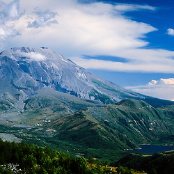 Mt. St. Helens and Alpine Lake, Mt. St. Helens National Volcanic Monument, Washington, US