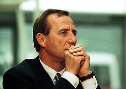 Stansted Airport press conference c/o  hijacked plane..Managing Director of Stansted Airport, John Stent, February 7, 2000. Photo by Andrew Parsons / i-images..