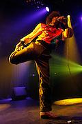 Paris, France. 23 Novembre 2007.Les Naive New Beaters en concert au Showcase.Le chanteur David Boring..Paris, France. November 23rd 2007..The Naive New Beaters performs at the Showcase..The singer David Boring