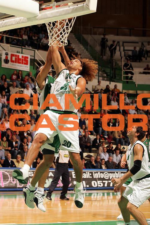 DESCRIZIONE : SIENA CAMPIONATO LEGA A1 2005-2006 <br /> GIOCATORE : STONEROOK <br /> SQUADRA : SIENA <br /> EVENTO : CAMPIONATO LEGA A1 2005-2006 <br /> GARA : SIENA-AVELLINO  <br /> DATA : 16/10/2005 <br /> CATEGORIA : <br /> SPORT : Pallacanestro <br /> AUTORE : Agenzia Ciamillo-Castoria/P.Lazzeroni