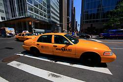 USA NEW YORK 4JUN10 - New York taxis in midtown Manhattan, New York...jre/Photo by Jiri Rezac..© Jiri Rezac 2010