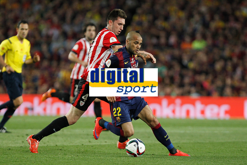 Barcelona´s Dani Alves and Athletic de Bilbao´s Aymeric Laporte during 2014-15 Copa del Rey final match between Barcelona and Athletic de Bilbao at Camp Nou stadium in Barcelona, Spain. May 30, 2015. (ALTERPHOTOS/Victor Blanco)