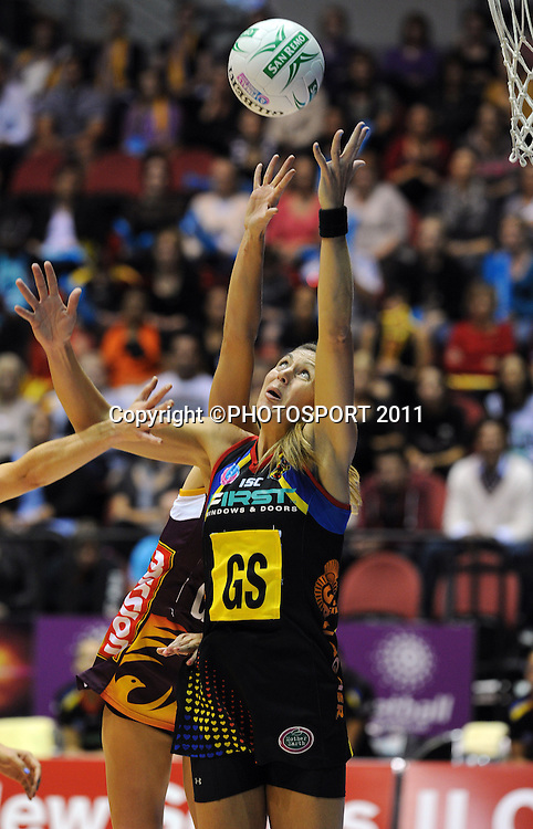 BOP Magic's Irene van Dyk.<br /> ANZ Netball Championship, Queensland Firebirds v BOP Magic, Semi Final. Gold Coast Convention Centre, Gold Coast, Australia, Monday 9 May 2011. Photo: Andrew Cornaga/photosport.co.nz