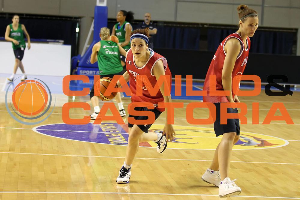 DESCRIZIONE : Taranto Ritiro Nazionale Italiana Donne<br /> GIOCATORE : Simona Ballardini<br /> SQUADRA : Italia Nazionale Femminile<br /> EVENTO : Ritiro Nazionale Italiana Femminile<br /> GARA : <br /> DATA : 19/05/2011<br /> CATEGORIA : allenamenti<br /> SPORT : Pallacanestro<br /> AUTORE : Agenzia Ciamillo-Castoria/ElioCastoria<br /> Galleria : FIP Nazionali 2011<br /> Fotonotizia :  Taranto Ritiro Nazionale Italiana Donne<br /> Predefinita :