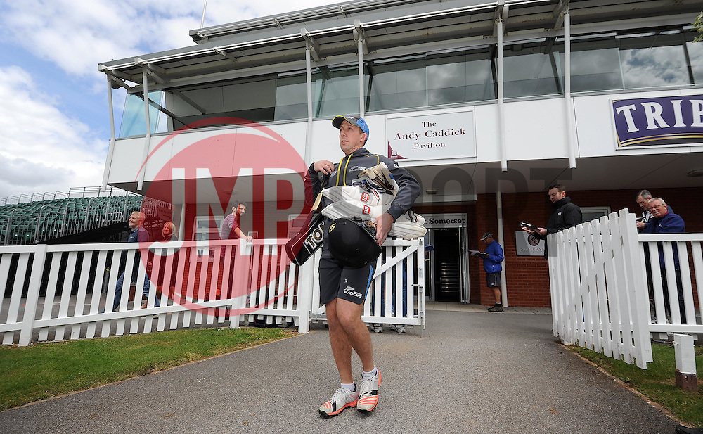 New Zealand's Luke Ronchi walks out onto the pitch. - Photo mandatory by-line: Harry Trump/JMP - Mobile: 07966 386802 - 07/05/15 - SPORT - CRICKET - New Zealand Training - The County Ground, Taunton, England.