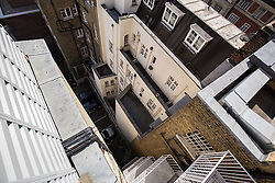 © Licensed to London News Pictures. 31/07/2015. London, UK. A general view from the roof of 24 Great Cumberland Place, which is believed to be the chimney which a 20 year old man fell into early this morning and died. Photo credit : James Gourley/LNP