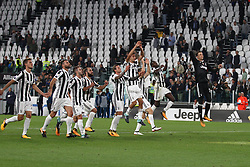 September 20, 2017 - Turin, Italy - Juventus team celebrates victory after the Serie A football match n.5 JUVENTUS - FIORENTINA on 20/09/2017 at the Allianz Stadium in Turin, Italy. (Credit Image: © Matteo Bottanelli/NurPhoto via ZUMA Press)