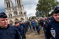 © Benjamin Girette / IP3 PRESS : le 29 Septembre 2012 : Rassemblement d'une trentaine de militants d'extreme droite en presence de Yvan BENEDETTI de l'Œuvre française et Alexandre GABRIAC des Jeunesses Nationalistes, a proximité de notre Dame, Paris.