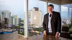 O presidente do grupo de incorporadoras Nex Group, Carlos Alberto Schettert, em seu escritório de Porto Alegre. FOTO: Jefferson Bernardes/ Agência Preview