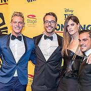 NLD/Scheveningen/20161030 - Premiere musical The Lion King, Ferry Doedens en partner Nuno Azevedo met Miro Kloosterman en partner Laurie Gordeijns