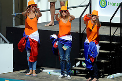 02-06-2012 VOLLEYBAL: EK BEACHVOLLEYBAL: SCHEVENINGEN<br /> Support, publiek entertainment Oranje dance girls<br /> ©2012-FotoHoogendoorn.nl