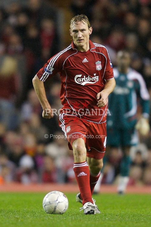 LIVERPOOL, ENGLAND - Tuesday, January 15, 2008: Liverpool's Sami Hyypia in action against Luton Town during the FA Cup 3rd Round Replay at Anfield. (Photo by David Rawcliffe/Propaganda)