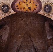 Palermo, Zisa castle, entrance arch and vault of the hall of fountain, 12th century.<br /> Palermo, castello della Zisa, arco d'ingrsso e muqarnas della sala delle fontane, XII. sec.