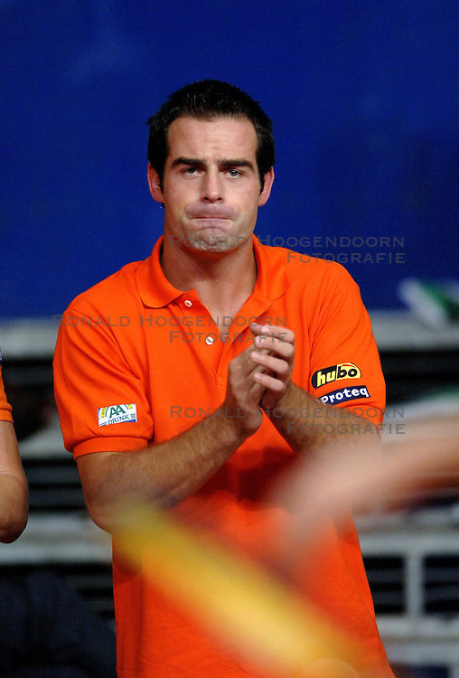23-09-2006 TENNIS: DAVIS CUP: NEDERLAND - TSJECHIE: LEIDEN <br /> Raemon Sluiter<br /> ©2006-WWW.FOTOHOOGENDOORN.NL
