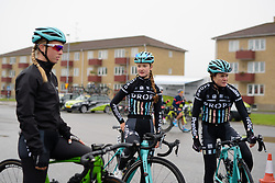 Drops Cycling get ready to sign in at the 141 km road race of the UCI Women's World Tour's 2016 Crescent Vårgårda women's road cycling race on August 21, 2016 in Vårgårda, Sweden. (Photo by Sean Robinson/Velofocus)
