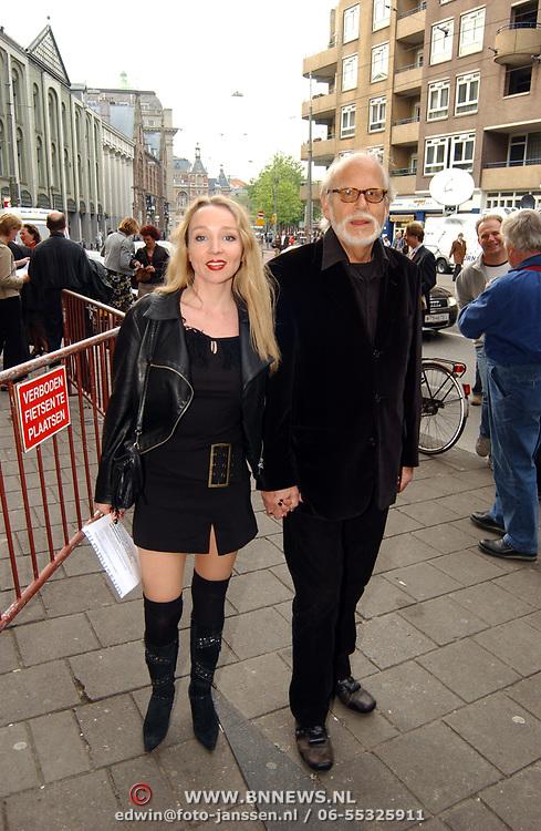 Uitreiking Bert Haantra Oeuvreprijs 2004, Rob houwer en vriendin