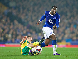 LIVERPOOL, ENGLAND - Tuesday, October 27, 2015: Everton's Romelu Lukaku in action against Norwich City's Ryan Bennett during the Football League Cup 4th Round match at Goodison Park. (Pic by David Rawcliffe/Propaganda)