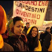 """1 marzo """" La giornata senza immigrati"""", primo sciopero nazionale dei lavoratori stranieri in Italia..nelle fotografia  la manifestazione tenuta a Torino..First national strike of foreign workers in Italy"""