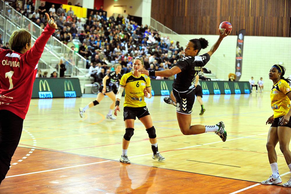 Amélie Gaudjo lors de la rencontre opposant Issy Paris Hand à Toulon, le 29 Avril 2012 au Palais des Sports Robert Charpentier.