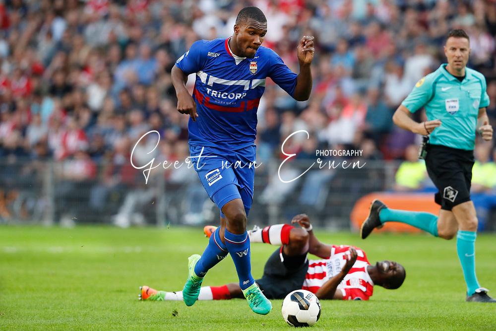 09-04-2017 VOETBAL:PSV-WILLEM II:EINDHOVEN<br /> Obbi Oulare van Willem II <br /> <br /> Foto: Geert van Erven