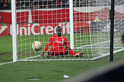 18.02.2016, WWKArena, Augsburg, GER, UEFA EL, FC Augsburg vs FC Liverpool, Sechzehntelfinale, Hinspiel, im Bild Divock Origi ( FC Liverpool ) im Tor der ball auserhalb, // during the UEFA Europa League Round of 32, 1st Leg match between FC Augsburg and FC Liverpool at the WWKArena in Augsburg, Germany on 2016/02/18. EXPA Pictures &copy; 2016, PhotoCredit: EXPA/ Eibner-Pressefoto/ Langer<br /> <br /> *****ATTENTION - OUT of GER*****