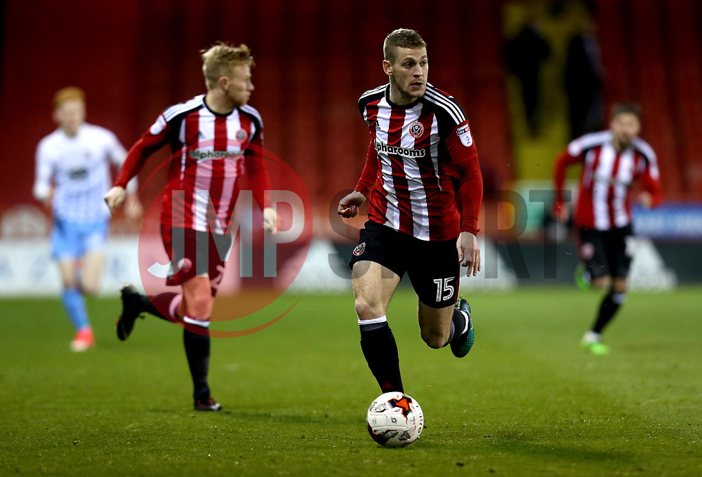 Paul Coutts of Sheffield United runs with the ball - Mandatory by-line: Robbie Stephenson/JMP - 05/04/2017 - FOOTBALL - Brammall Lane - Sheffield, England - Sheffield United v Coventry City - Sky Bet League One