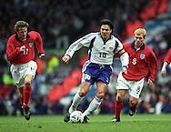 24.03.2001, Anfield Road Stadium, Liverpool, England. FIFA World Cup 2002 Qualifying Match England v Finland. Jari Litmanen (FIN) v Steve McManaman & Paul Scholes (ENG)..©JUHA TAMMINEN