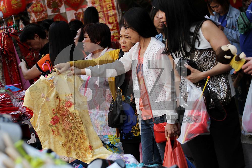BANCOC, TAILÂNDIA - 04.02.2016: ANO-CHINÊS - Lojas de ouro em Yaowarat Road, em Bancoc, na Tailândia, se preparam para o Ano Novo Chinês, que este ano marcará o Ano do Macaco. (Foto:Vichan Poti/Brazil Photo Press)